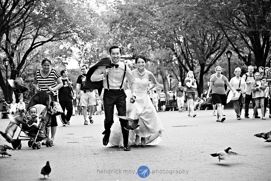 Black and White-Central-Park-Wedding-Pictures
