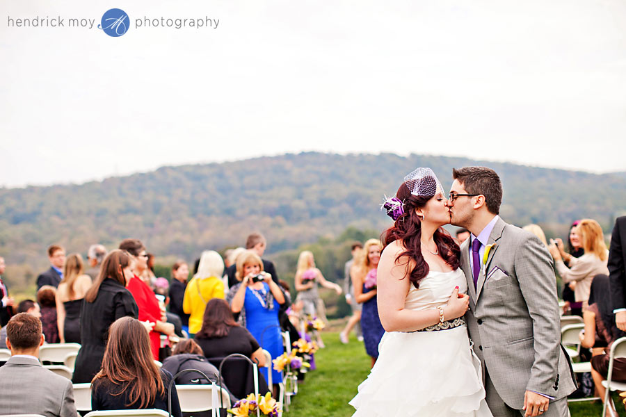 NJ-Wedding-Alba-Vineyard-aisle-kiss