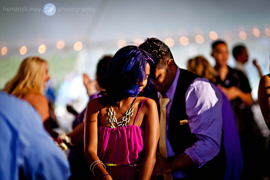 NJ-Wedding-Alba-Vineyard-couple-dance