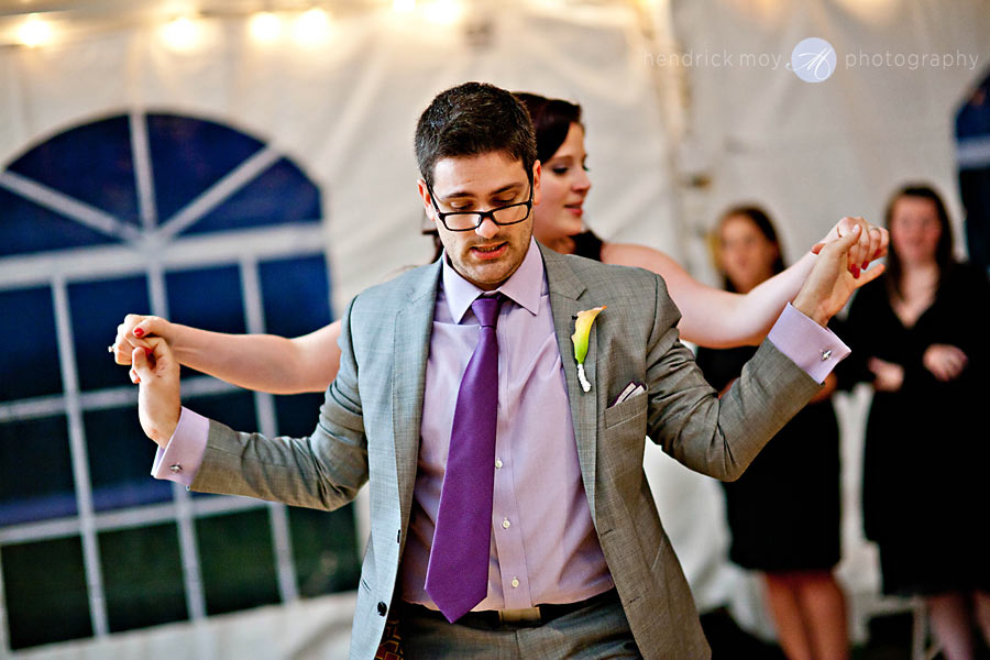 NJ-Wedding-Alba-Vineyard-groom-salsa