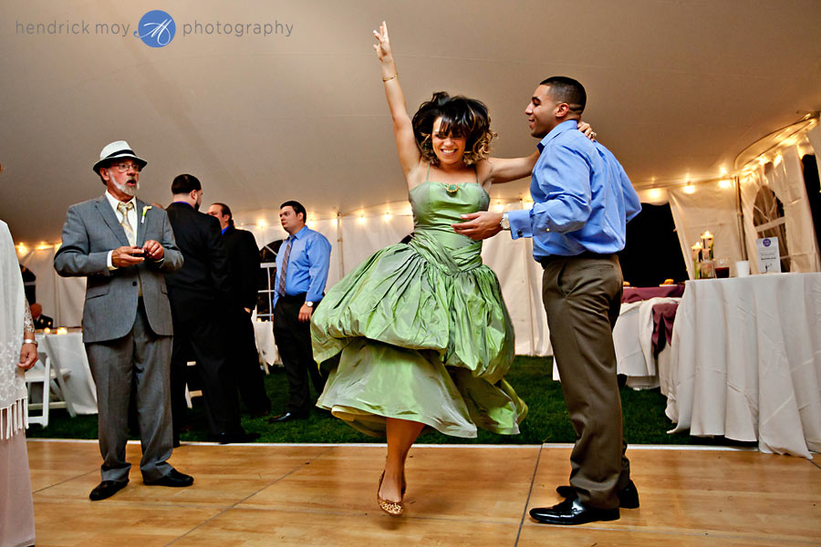 NJ-Wedding-Alba-Vineyard-reception-dancers