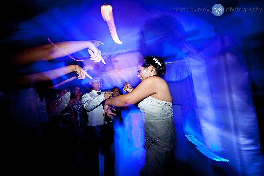 26-White-Meadow-Lake-House-Country-Club-wedding-dance-photography