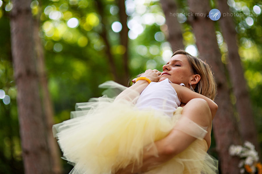 Hudson-Valley-Wedding-Photographer-NY-flower-girl-tutu
