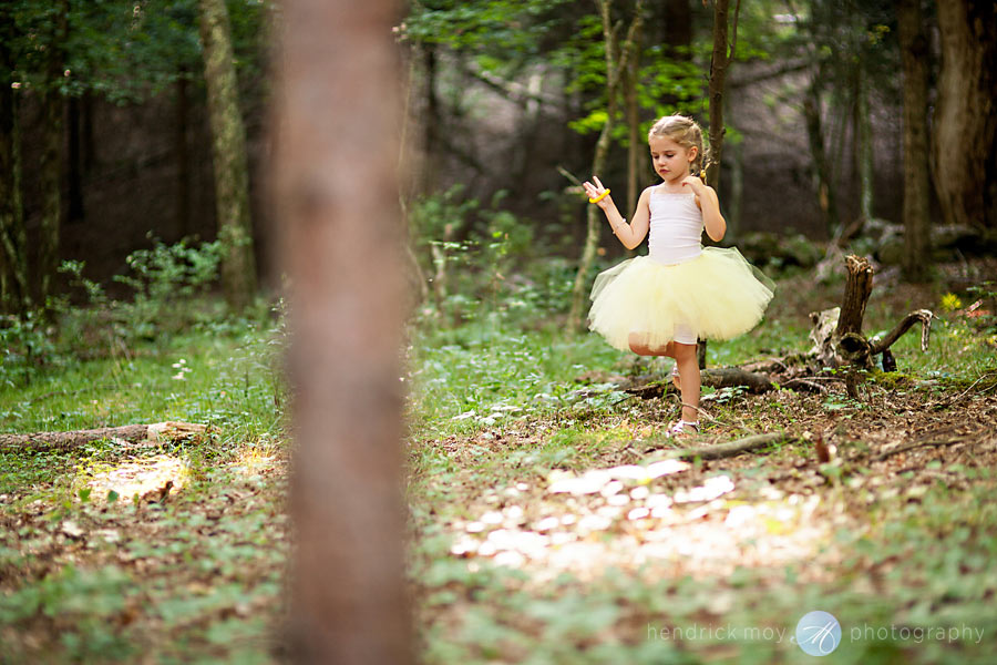 Hudson-Valley-Wedding-Photographer-NY-tutu-flowergirl