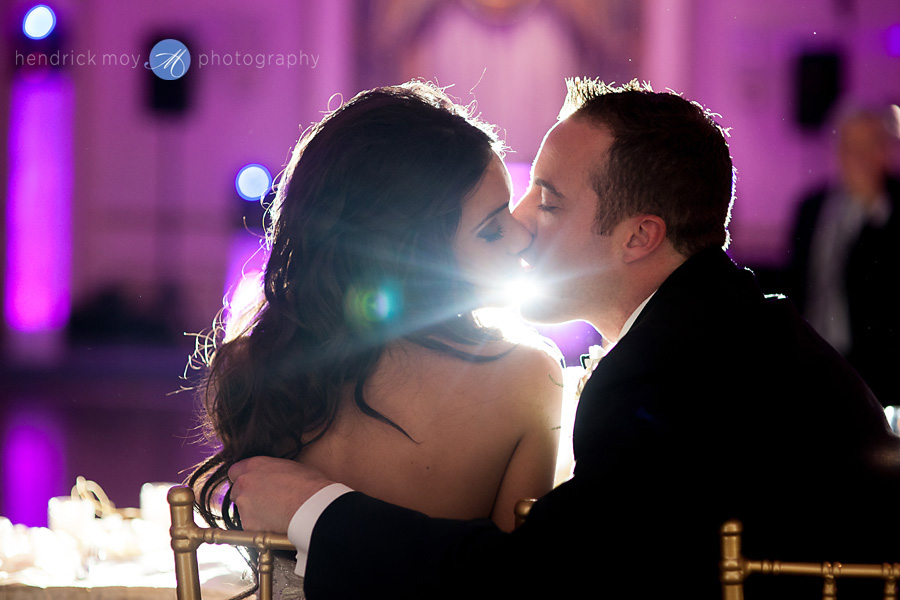 wedding reception kiss picture backlight hendrick moy photography
