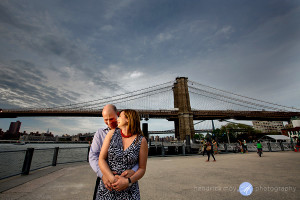 nyc engagement photographer brooklyn bridge park