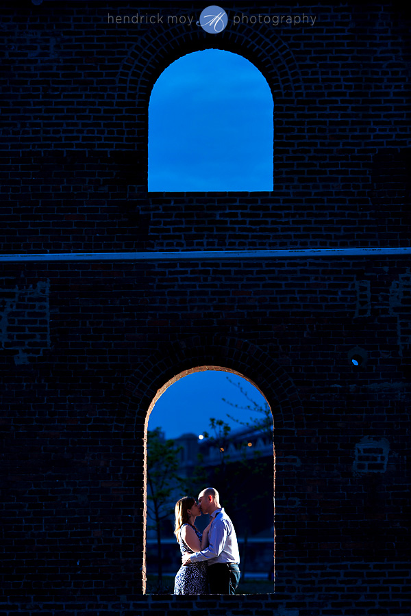 brooklyn engagement photographer DUMBO pictures
