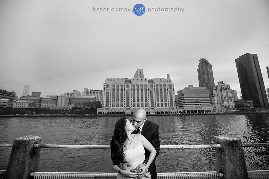 Roosevelt Island engagement photographer manhattan