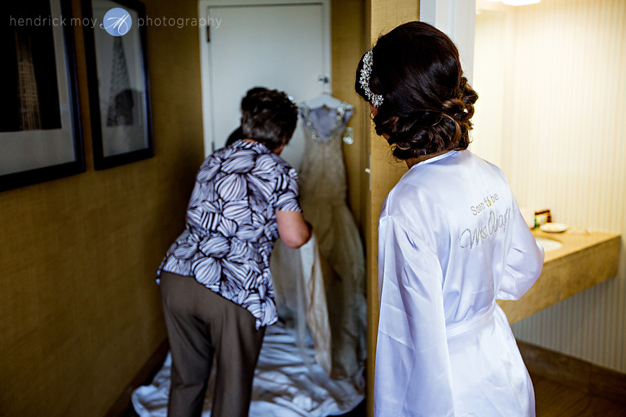 Meadowlands-Sheraton-NJ-Wedding-Photographer-Hendrick-Moy-dress-pictures
