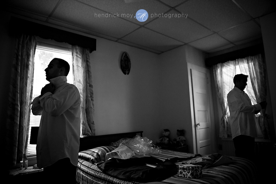 Newark-NJ-Wedding-Photographer-Hendrick-Moy-groom-best-man-preparation