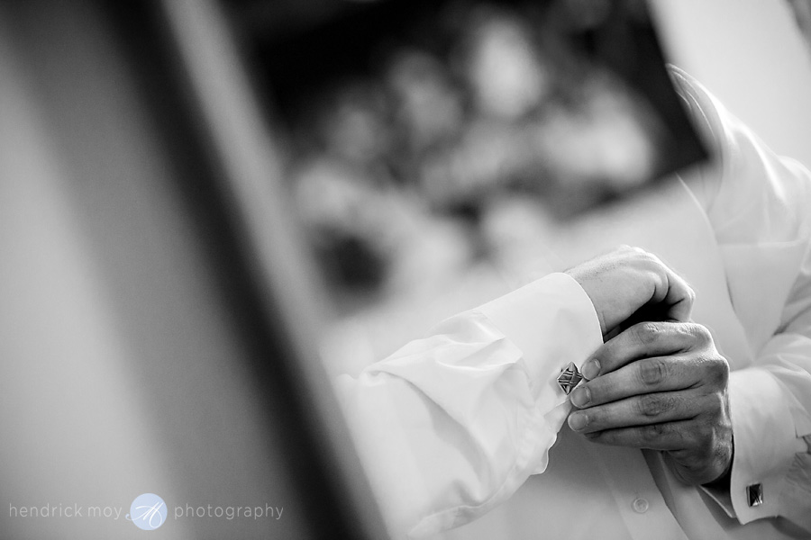 Newark-NJ-Wedding-Photographer-Hendrick-Moy-groom-cufflinks