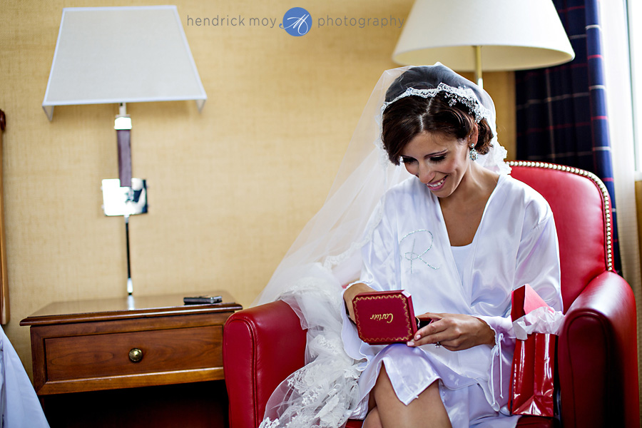 Sheraton-NJ-Wedding-Photographer-Hendrick-Moy-cartier-present-bride