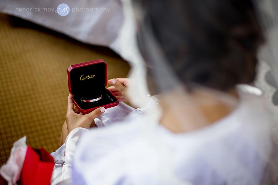 Sheraton-NJ-Wedding-Photographer-Hendrick-Moy-cartier-gift-bride