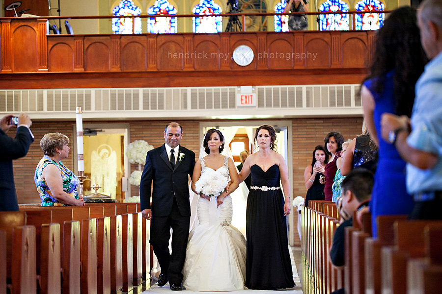 Our-Lady-Fatima-Newark-NJ-Wedding-Photographer-Hendrick-Moy-walking-down-the-aisle