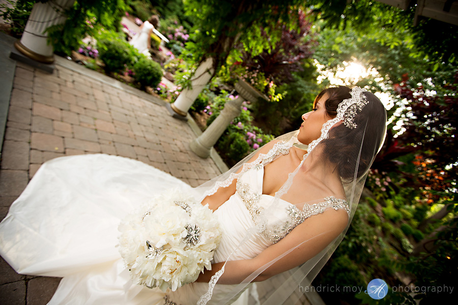 nanina's-in-the-park-NJ-Wedding-Photographer-Hendrick-Moy-bridal-portrait