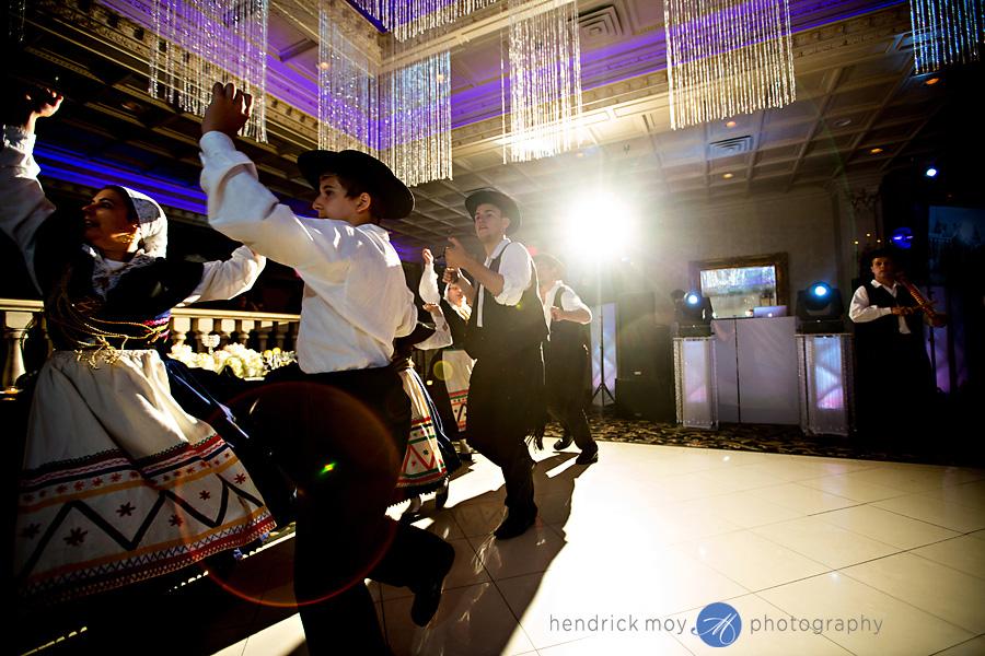 nanina's-in-the-park-NJ-Wedding-Photographer-Hendrick-Moy-portuguese-folk-dance
