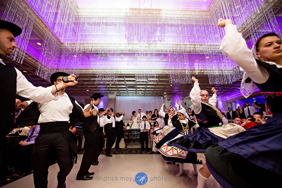 nanina's-in-the-park-NJ-Wedding-Photographer-Hendrick-Moy-portuguese-dance