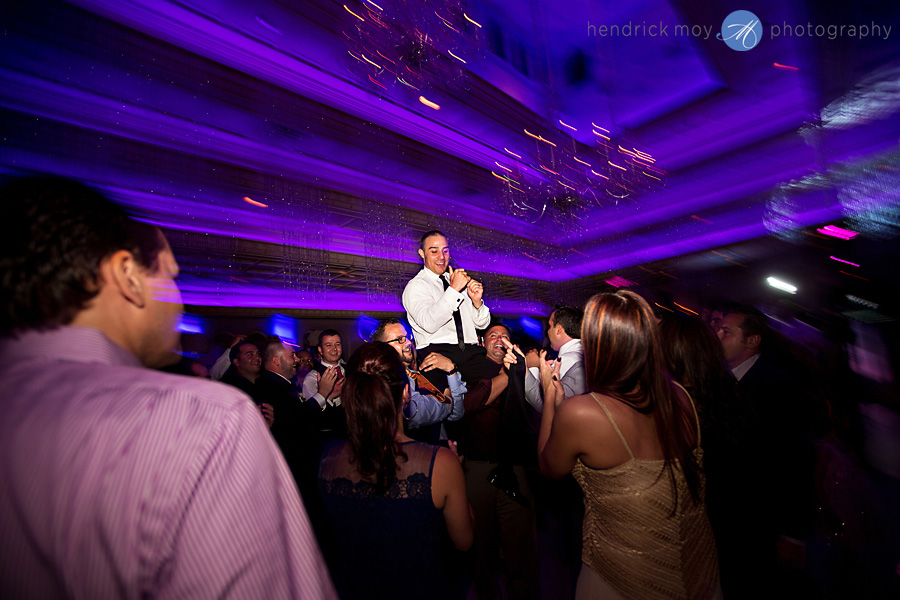 nanina's-in-the-park-NJ-Wedding-Photographer-Hendrick-Moy-reception-dancing