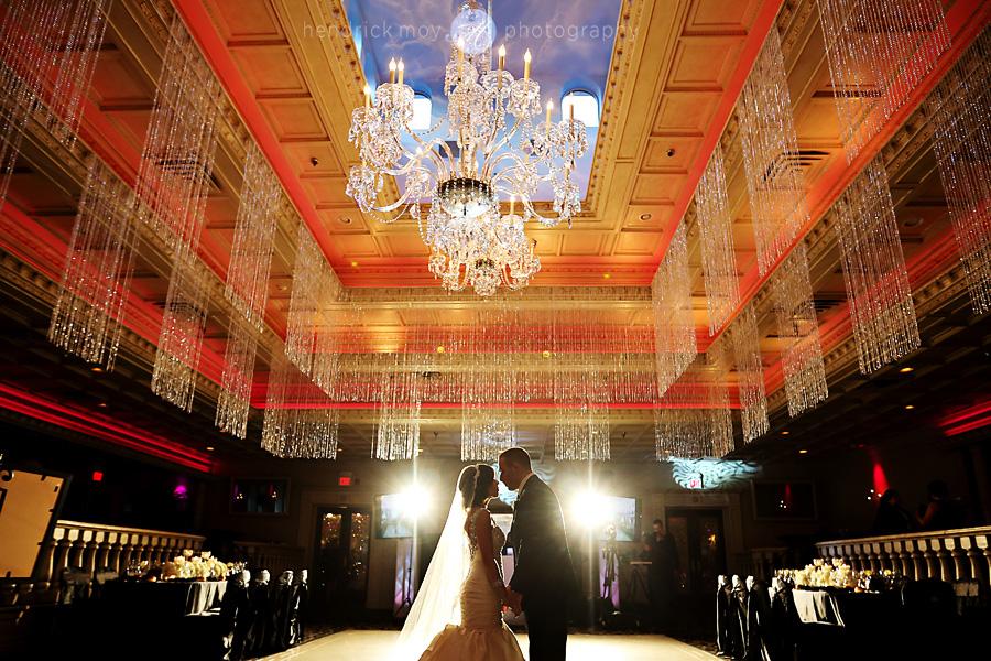 nanina's-in-the-park-NJ-Wedding-Photographer-Hendrick-Moy-first-dance-ocf