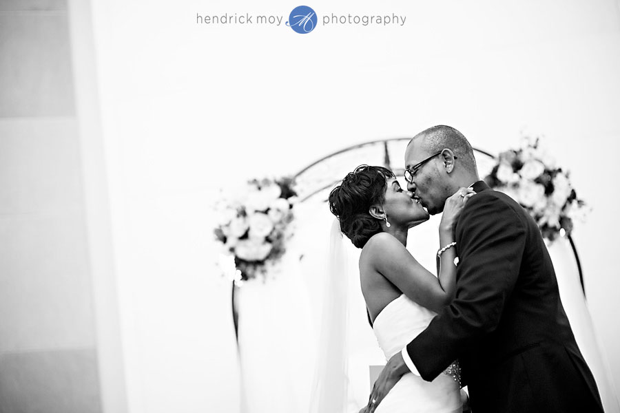 ronald reagan building washington dc wedding photography 26 WASHINGTON DC WEDDING PHOTOGRAPHER | RONALD REAGAN BUILDING WEDDING | SHAMEKA + CHARLEMAYNE
