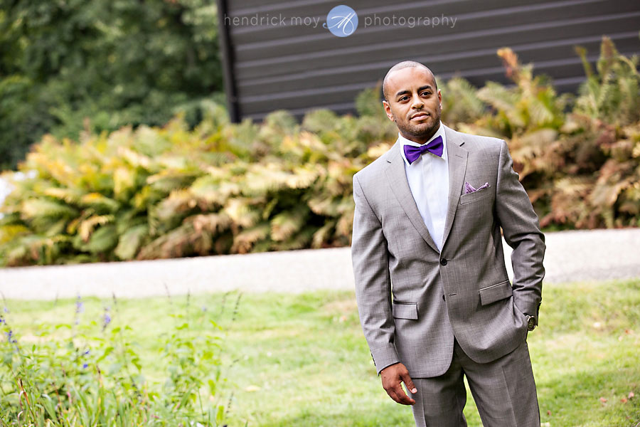 groom marriott courtyard wedding hudson valley photography hendrick moy