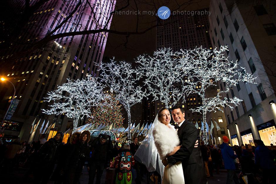 rockefeller center nyc winter elopement photography hendrick moy
