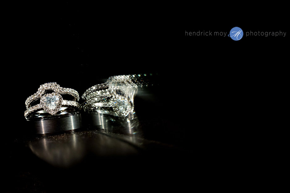 wedding ring shots ice light hendrick moy photography