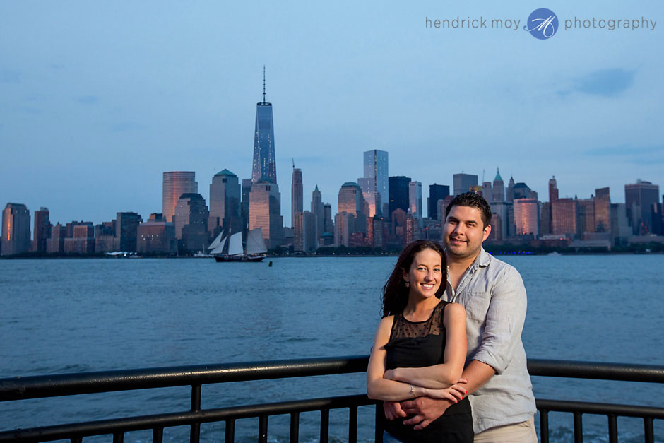 nyc skyline engagement pictures hendrick moy