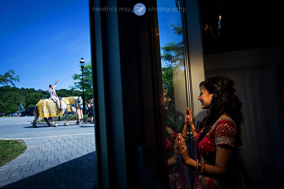 indian wedding ceremony baraat hendrick moy photography