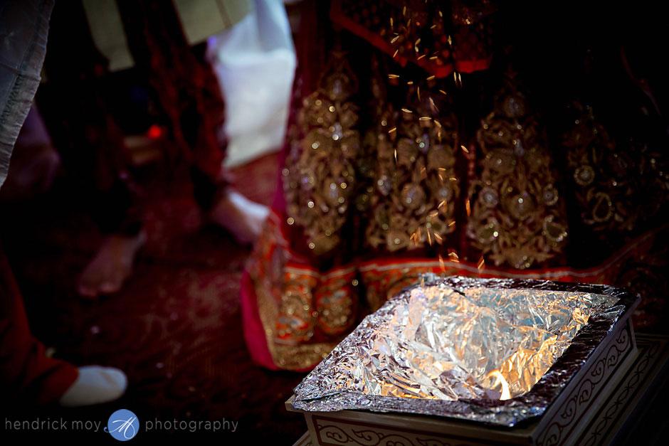 indian wedding ceremony photography hendrick moy ny