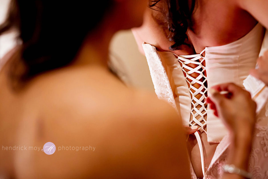 wedding photography bride getting ready at the poughkeepsie grandview ny
