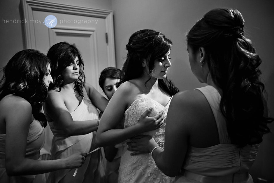 getting ready at the poughkeepsie grandview ny wedding photography