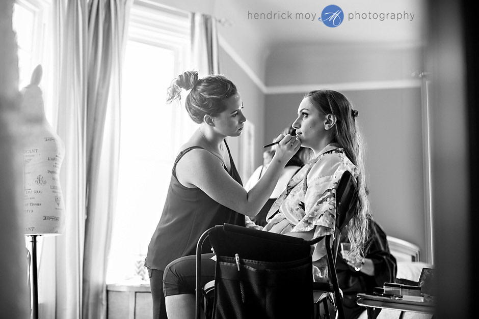 mountain view manor wedding bride getting ready