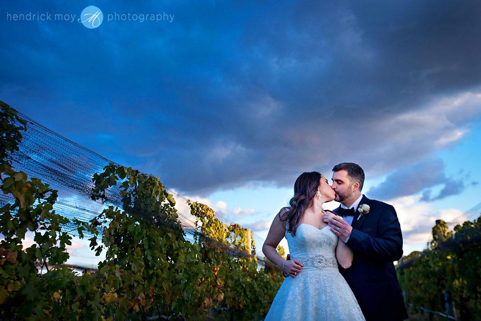 raphael vineyard hendrick moy photography wedding