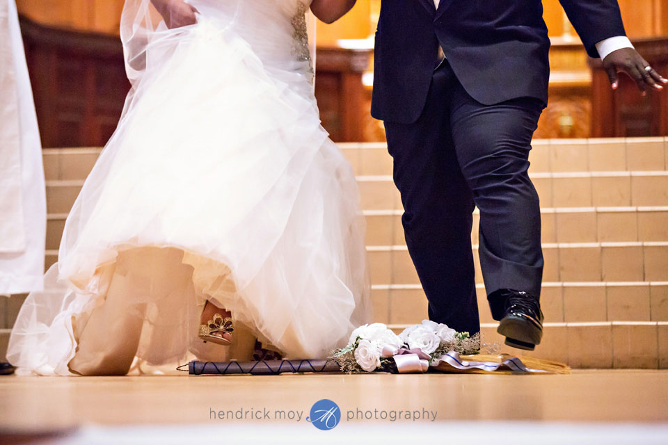 jumping broom wedding pictures