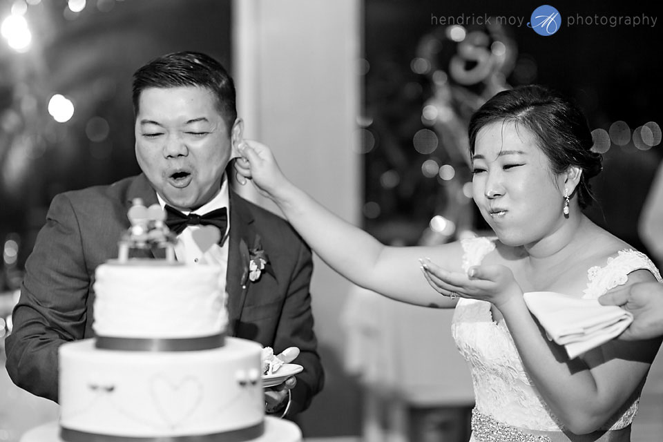 cake cutting wedding photographer waterside restaurant nj