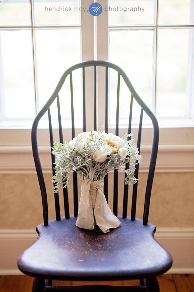roxbury ny wedding photographer flower bouquet