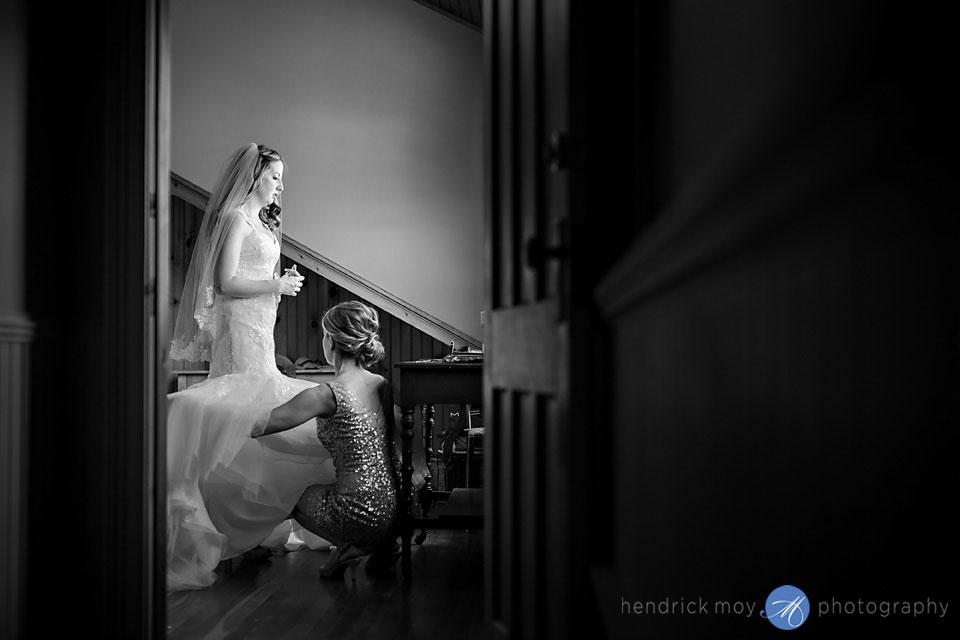 wedding photographer roxbury ny inn at west settlement