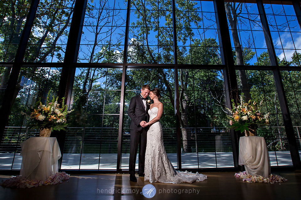 wedding pictures beacon ny roundhouse photographer