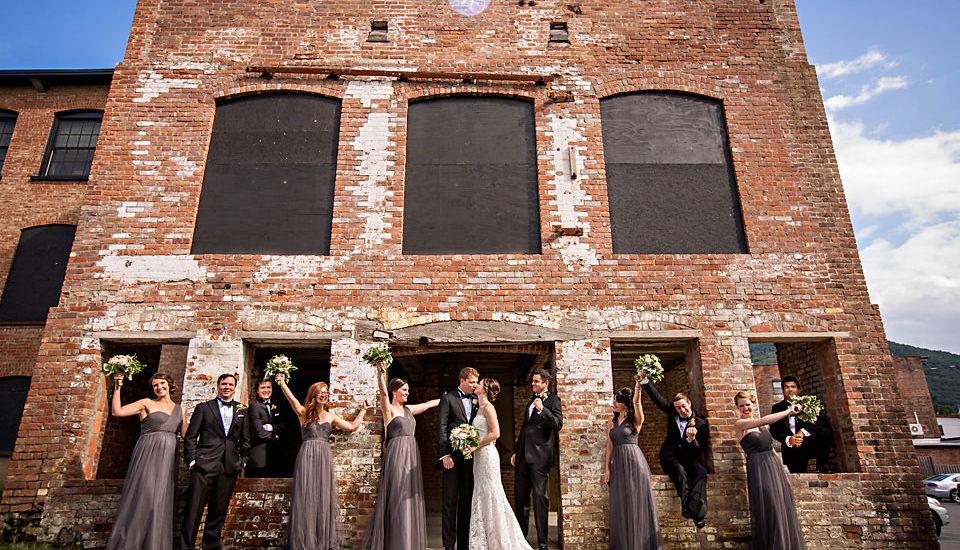 modern wedding photographer beacon ny roundhouse