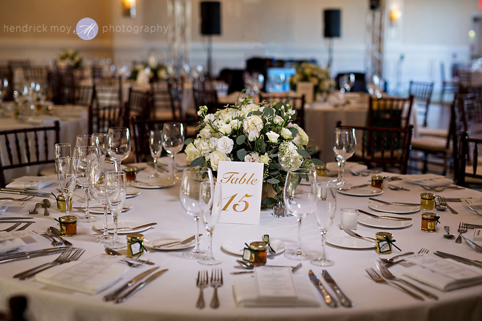paramount country club wedding centerpiece details
