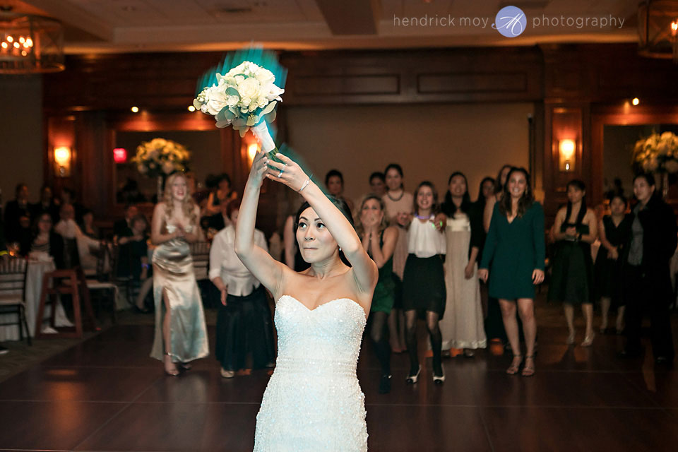 bouquet toss wedding paramount country club