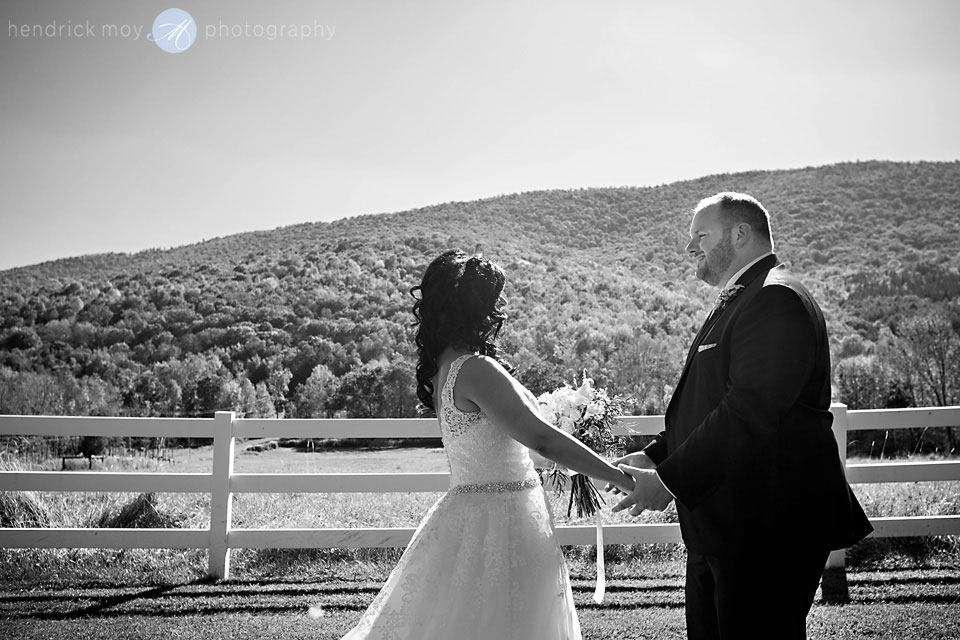 stone tavern farm wedding pictures