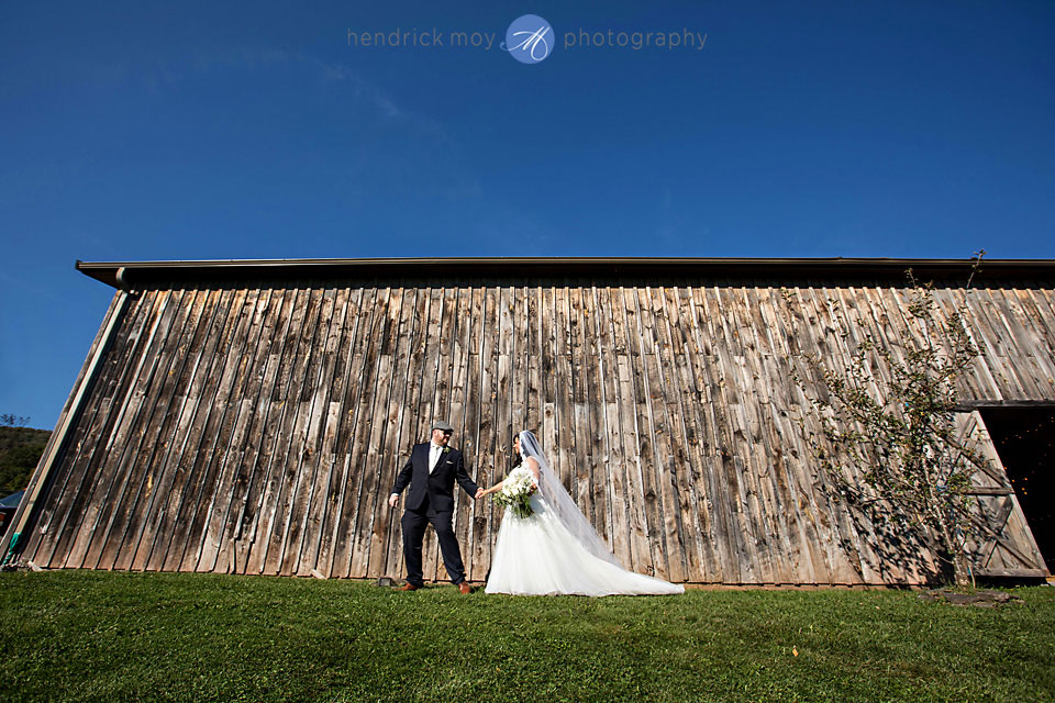 stone tavern farm wedding photography
