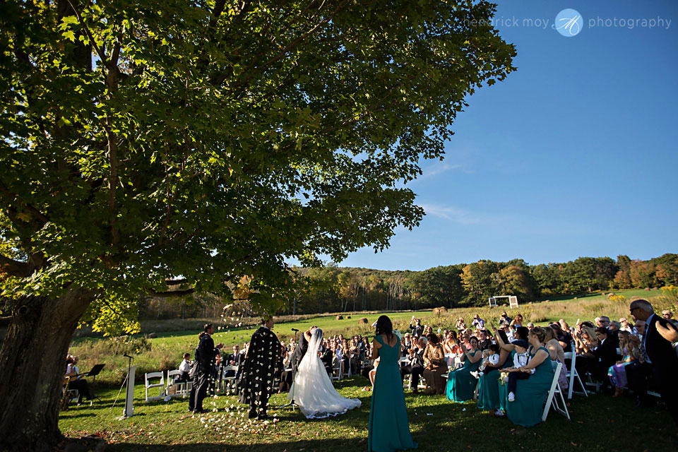 stone tavern farm wedding ceremony roxbury ny