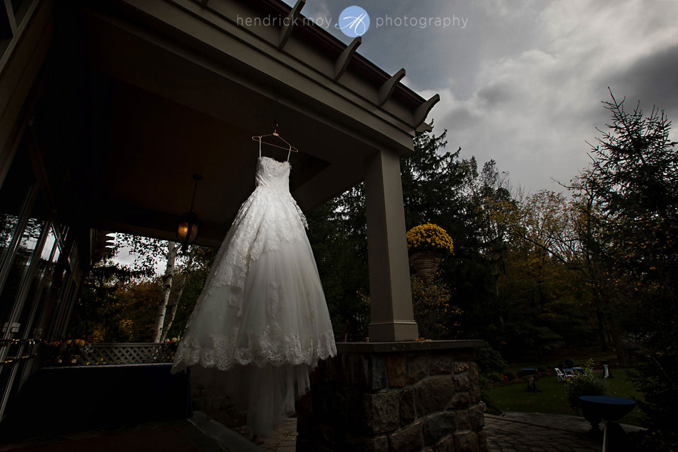 wedding dress mountain springs lodge pa