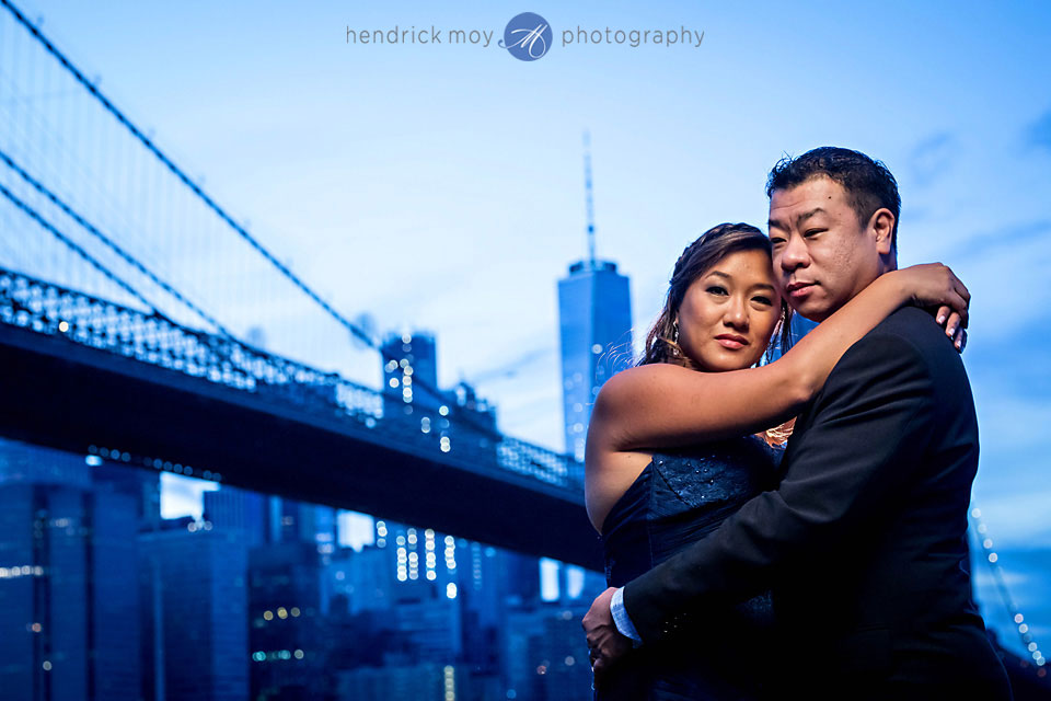 brooklyn bridge engagement pictures NYC