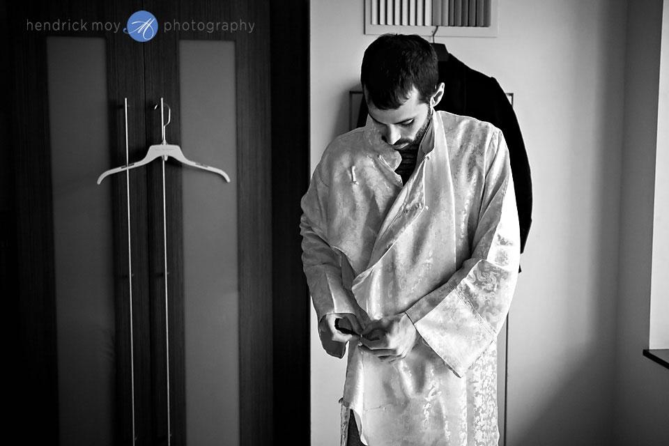 nyc wedding photographer groom pictures
